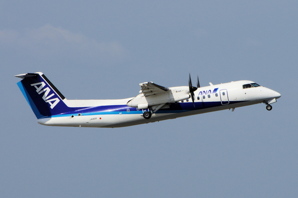 yabyanさんのエアーニッポンネットワーク Bombardier DHC-8-300 (JA801K) 航空フォト