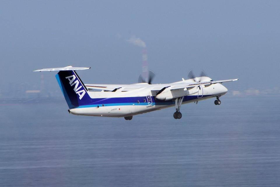 yabyanさんのエアーニッポンネットワーク Bombardier DHC-8-300 (JA802K) 航空フォト