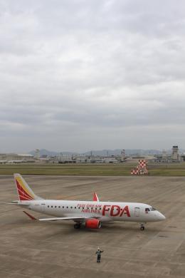 Aki-001さんが、名古屋飛行場で撮影したフジドリームエアラインズ ERJ-170-200 (ERJ-175STD)の航空フォト(写真)