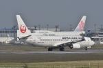 qooさんが、成田国際空港で撮影した日本航空 737-846の航空フォト(写真)