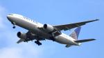 誘喜さんが、フランクフルト国際空港で撮影したユナイテッド航空 777-222/ERの航空フォト(写真)