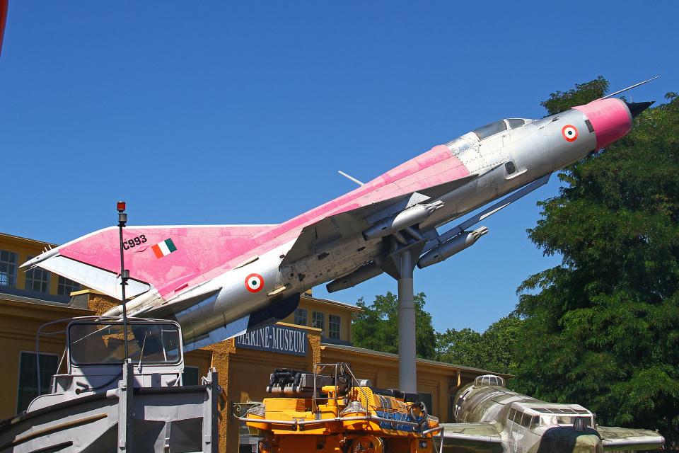 りんたろうさんのインド空軍 Mikoyan MiG-21 (C993) 航空フォト