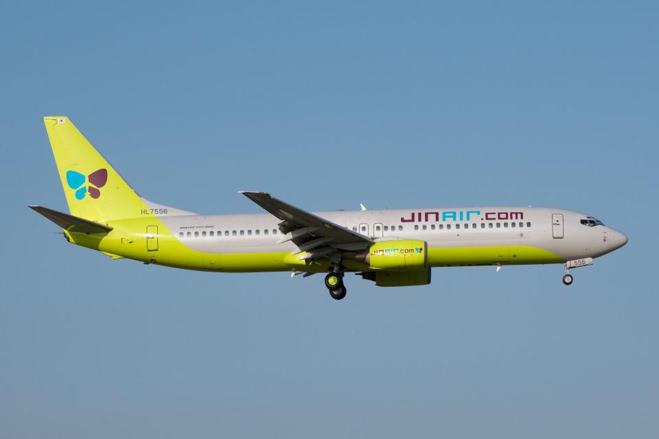 しぃさんのジンエアー Boeing 737-800 (HL7556) 航空フォト