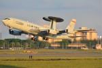 デルタおA330さんが、横田基地で撮影したアメリカ空軍 E-3B Sentry (707-300)の航空フォト(写真)