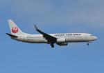 じーく。さんが、小松空港で撮影した日本航空 737-846の航空フォト(写真)