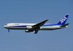 じーく。さんが、小松空港で撮影した全日空 767-381/ERの航空フォト(写真)