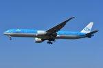 islandsさんが、成田国際空港で撮影したKLMオランダ航空 777-306/ERの航空フォト(写真)