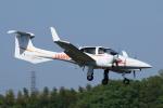 だびでさんが、調布飛行場で撮影した日本法人所有 DA42 TwinStarの航空フォト(写真)