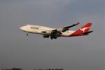 yoshi_350さんが、成田国際空港で撮影したカンタス航空 747-438の航空フォト(写真)