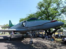 ユターさんが、厚木飛行場で撮影したアメリカ海軍 A-4E Skyhawkの航空フォト(飛行機 写真・画像)