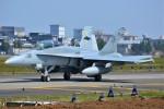 デルタおA330さんが、横田基地で撮影したアメリカ海兵隊 F/A-18D Hornetの航空フォト(写真)