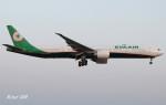 RINA-200さんが、小松空港で撮影したエバー航空 777-35E/ERの航空フォト(写真)