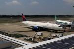 ☆ライダーさんが、成田国際空港で撮影したデルタ航空 777-232/LRの航空フォト(写真)