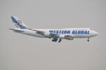 LEGACY-747さんが、香港国際空港で撮影したウエスタン・グローバル・エアラインズ 747-446(BCF)の航空フォト(飛行機 写真・画像)