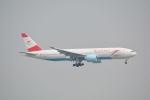 LEGACY-747さんが、香港国際空港で撮影したオーストリア航空 777-2Z9/ERの航空フォト(写真)