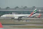 LEGACY-747さんが、香港国際空港で撮影したエミレーツ航空 777-F1Hの航空フォト(飛行機 写真・画像)