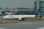 LEGACY747さんが、香港国際空港で撮影したエア・アスタナ 767-3KY/ERの航空フォト(写真)