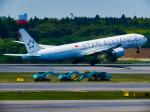 万華鏡AIRLINESさんが、成田国際空港で撮影したシンガポール航空 777-312/ERの航空フォト(写真)