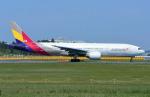 なかよし号さんが、成田国際空港で撮影したアシアナ航空 777-28E/ERの航空フォト(写真)
