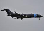 雲霧さんが、成田国際空港で撮影したウィルミントン・トラスト・カンパニー BD-700-1A10 Global Expressの航空フォト(写真)