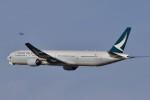 Take51さんが、新千歳空港で撮影したキャセイパシフィック航空 777-367の航空フォト(写真)