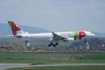 pringlesさんが、ウィーン国際空港で撮影したTAPポルトガル航空 A330-203の航空フォト(写真)