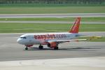 pringlesさんが、ウィーン国際空港で撮影したイージージェット A320-214の航空フォト(写真)