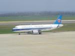 bannigsさんが、新潟空港で撮影した中国南方航空 A320-214の航空フォト(写真)