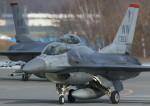 VIPERさんが、千歳基地で撮影したアメリカ空軍 F-16CM-50-CF Fighting Falconの航空フォト(写真)