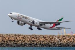 Y-Kenzoさんが、シドニー国際空港で撮影したエミレーツ航空 777-F1Hの航空フォト(飛行機 写真・画像)