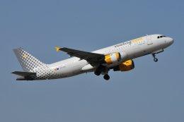 islandsさんが、マラガ空港で撮影したブエリング航空 A320-211の航空フォト(飛行機 写真・画像)