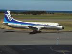 エルさんが、新潟空港で撮影した全日空 YS-11A-213の航空フォト(写真)