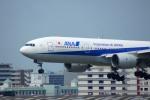 KAZKAZさんが、福岡空港で撮影した全日空 777-281の航空フォト(写真)