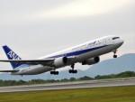 まーたんさんが、高松空港で撮影した全日空 767-381の航空フォト(写真)