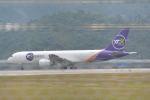 LEGACY-747さんが、香港国際空港で撮影したYTOカーゴ・エアラインズ 757-28S(PCF)の航空フォト(飛行機 写真・画像)