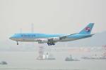 LEGACY-747さんが、香港国際空港で撮影した大韓航空 747-8B5の航空フォト(飛行機 写真・画像)