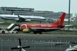 シュウさんが、羽田空港で撮影したタイタン エアウェイズ 737-33A(QC)の航空フォト(写真)