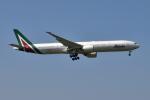 Timothyさんが、成田国際空港で撮影したアリタリア航空 777-3Q8/ERの航空フォト(写真)