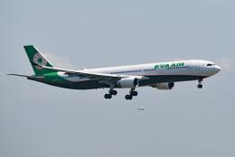 tsubasa0624さんが、羽田空港で撮影したエバー航空 A330-302の航空フォト(飛行機 写真・画像)