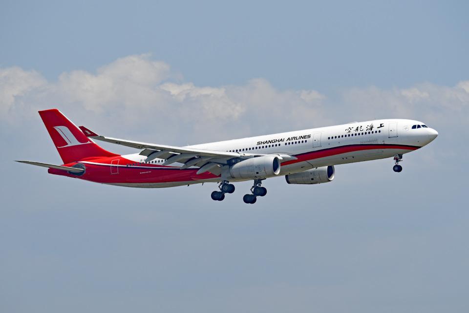 tsubasa0624さんの上海航空 Airbus A330-300 (B-6096) 航空フォト