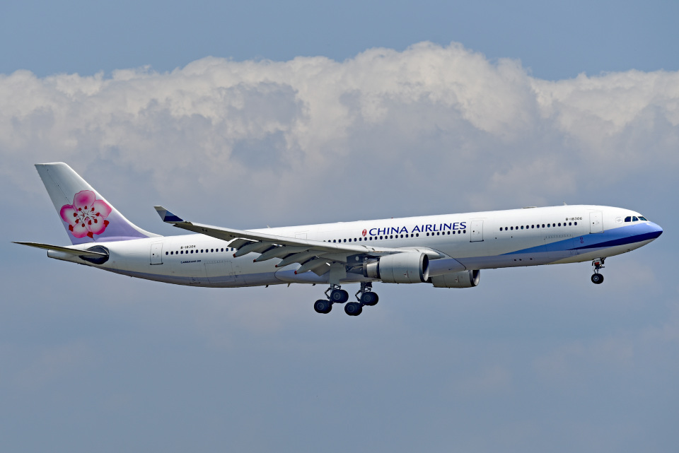 tsubasa0624さんのチャイナエアライン Airbus A330-300 (B-18306) 航空フォト