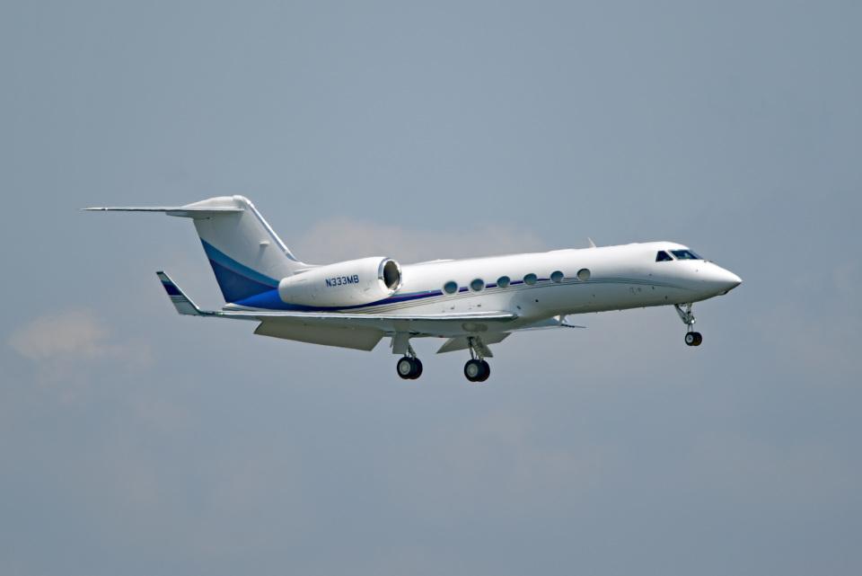 tsubasa0624さんのウィルミントン・トラスト・カンパニー Gulfstream Aerospace G350/G450 (G-IV) (N333MB) 航空フォト
