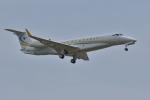 qooさんが、成田国際空港で撮影したコムラックスKZ EMB-135BJ Legacy 650の航空フォト(写真)