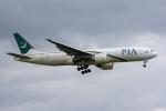 ぱん_くまさんが、成田国際空港で撮影したパキスタン国際航空 777-240/ERの航空フォト(写真)