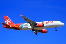 ぽっぽさんが、マルタ国際空港で撮影したエア・マルタ A320-214の航空フォト(飛行機 写真・画像)