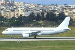 ぽっぽさんが、マルタ国際空港で撮影したゲットジェット・エアラインズ A320-214の航空フォト(飛行機 写真・画像)