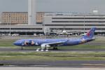 ATOMさんが、羽田空港で撮影した中国東方航空 A330-343Xの航空フォト(写真)