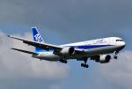 hirohiro77さんが、新千歳空港で撮影した全日空 767-381の航空フォト(写真)