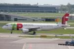 ガペ兄さんが、アムステルダム・スキポール国際空港で撮影したTAPポルトガル航空 A320-214の航空フォト(写真)