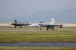 チャッピー・シミズさんが、岩国空港で撮影したアメリカ海兵隊 F/A-18E Super Hornetの航空フォト(写真)